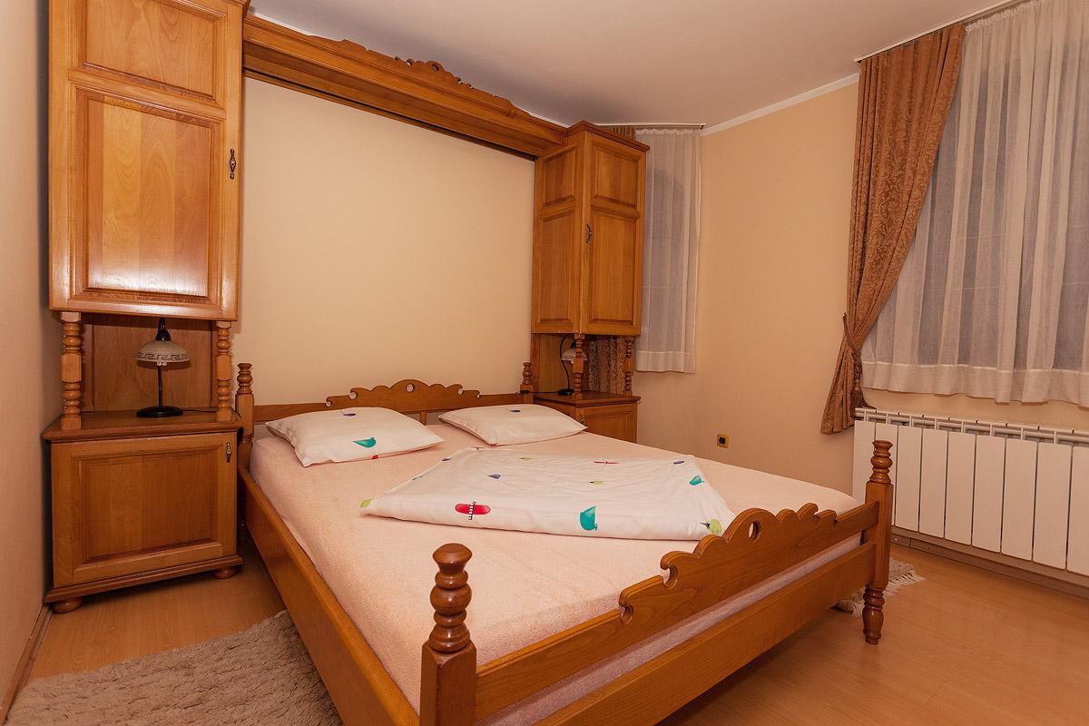 Lux apartman spavaca soba 2