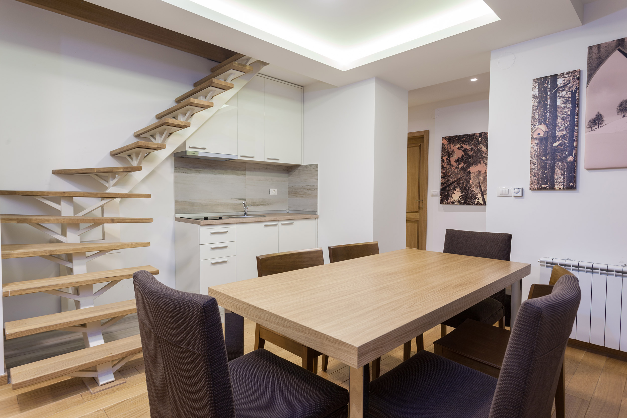 Vila borova trpezarija i kuhinja slider