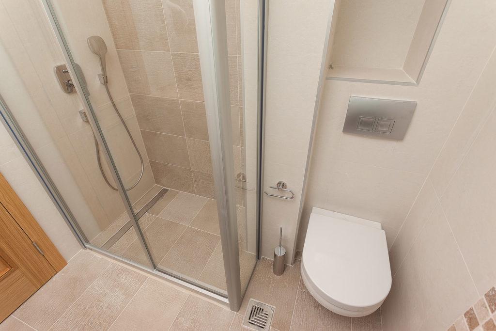 family apartman kupatilo