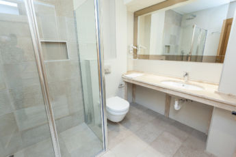 deluxe apartman kupatilo