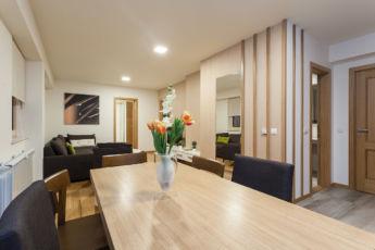 deluxe apartman trpezarija i dnevni boravak