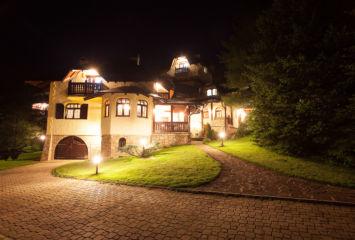 Vila Borova dvoriste 6