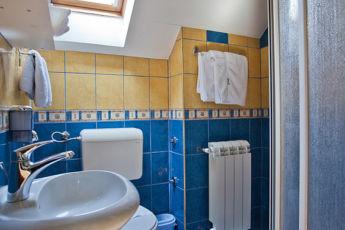 studio apartman kupatilo