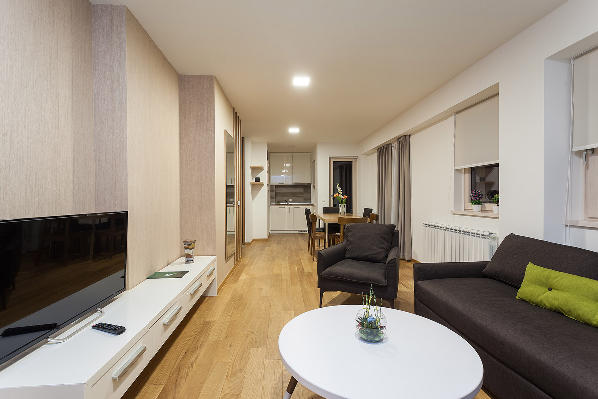 deluxe apartman dnevni boravak i trpezarija 2